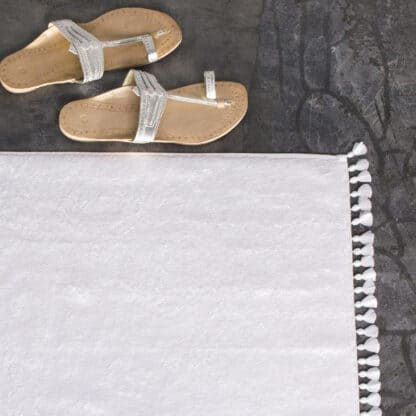 Lamu pompoms white terry 4