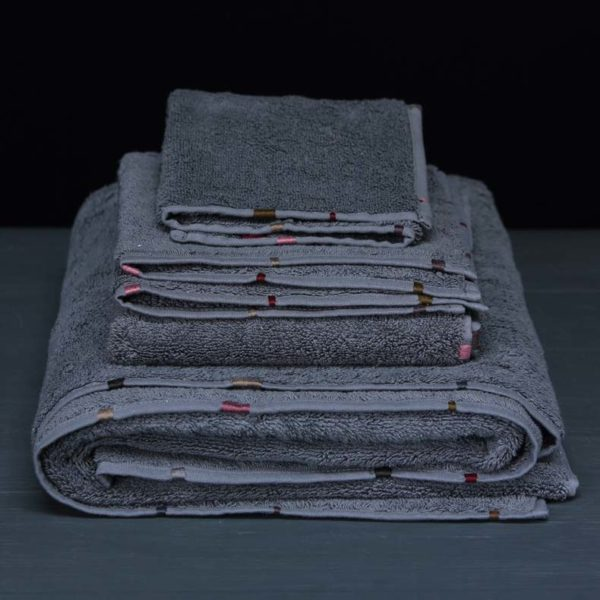 hand embroidery Memba bath linen folded