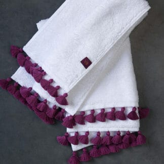 White bath linen pompoms raani