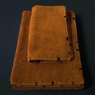 serviette bain éponge ambre brodée main