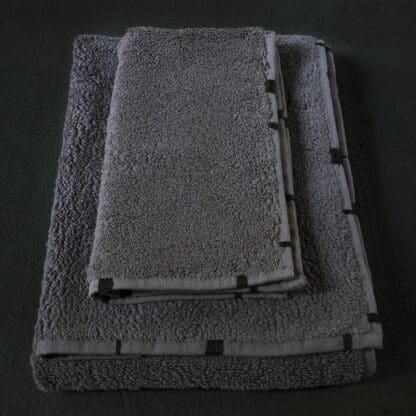 servieete de bain gris anthracite haut de gamme brodée main
